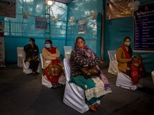 India Restui 2 Vaksin Sekaligus, AstraZeneca & Buatan Lokal