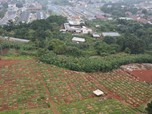 Nyaris Tiada Ruang Kosong, Intip Penuhnya TPU Pondok Ranggon