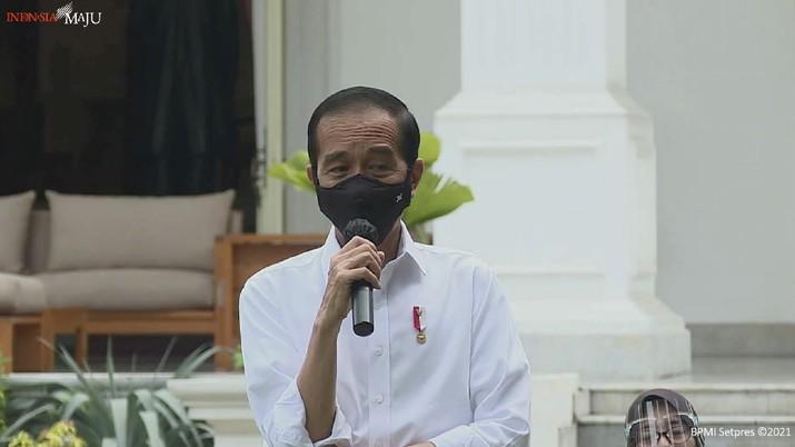 Jokowi di acara pemberian Bantuan Modal Kerja, Halaman Tengah Istana Merdeka, 6 Januari 2021