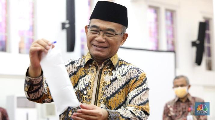 Menko PMK Muhadjir Effendy (CNBC Indonesia/Andrean Kristianto)