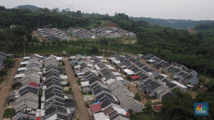 Foto udara suasana perumahan subsidi di Kawsan Ciseeng, Bogor, Jawa Barar, Jumat (8/1/2021). (CNBC Indonesia/Andrean Kristianto)