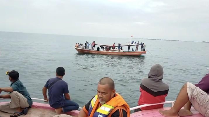 Pencarian jatuhnya pesawat Sriwijaya Air di Pulau Laki dan Pulau Lancang (Tangkapan Layar Video Basarnas)