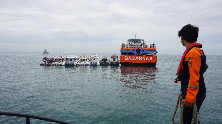 Tim patroli laut Bea Cukai dari Pangkalan Sarana Operasi Bea Cukai Tanjung Priok turut melakukan pencarian terhadap pesawat Sriwijaya Air SJ 182 tujuan Jakarta-Pontianak yang hilang kontak di sekitaran perairan Kepulauan Seribu pada Sabtu (09/01).