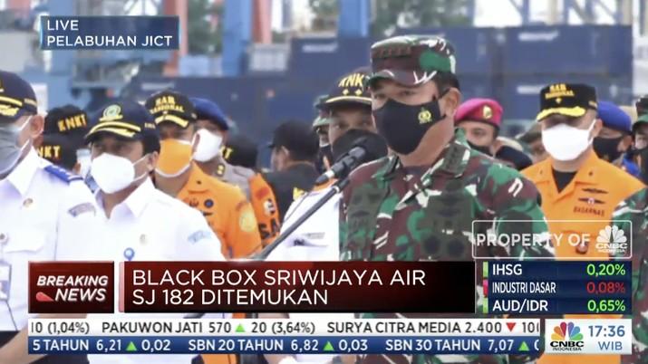 Panglima TNI Marsekal Hadi Tjahjanto melakukan konfrensi pers penemuan black box dari kecelakaan pesawat Sriwjaya Air SJ-182. (Tangkapan Layar)