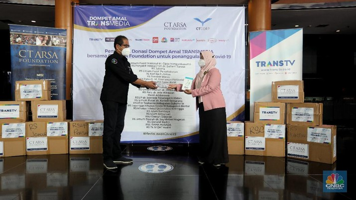 Dompet Amal TRANSMEDIA bersama CT ARSA Foundation Salurkan Donasi Tahap ke-9 untuk Penanganan Covid-19 (CNBC Indonesia/ Andrean Kristianto)