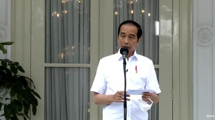 Presiden Joko Widodo memberikan keretangan pers usai menerima vaksinasi Covid-19 Perdana di Indonesia, 13 Januari 2021. (tangkapan Layar Youtube Sekretariat Presiden)