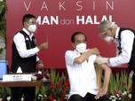 Detik-detik Jokowi Disuntik Vaksin Covid-19 Sinovac China