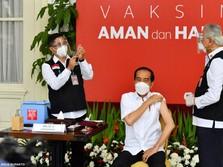 Cerita Jokowi Jadi Orang Pertama Disuntik Vaksin Covid-19