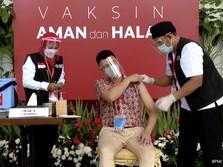 Bareng Jokowi & Menkes, Raffi Ahmad Divaksin Covid-19