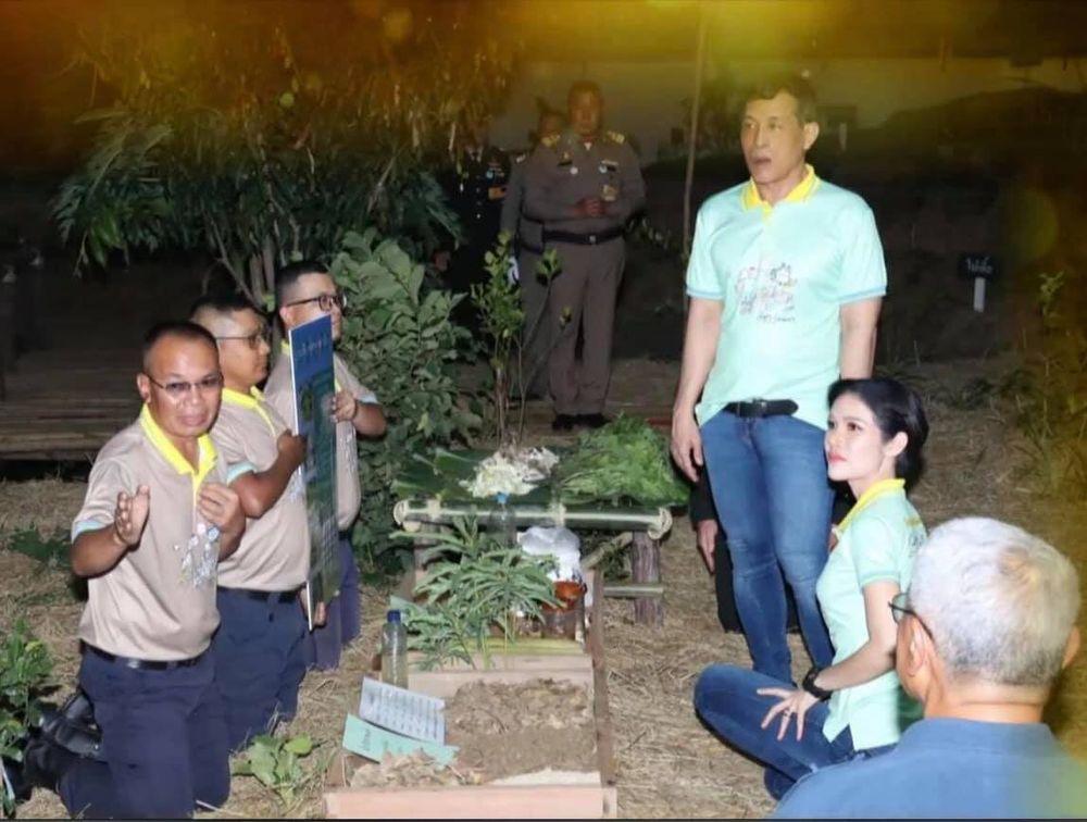 Selir Raja Thailand Sineenat Wongvajirapakdi dan Raja Menyapu di Penjara (Tangkapan Layar Facebook/ Thai PBS)