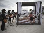 Intip Ashiknya Warga Meksiko Liburan di Pantai Kala Pandemi