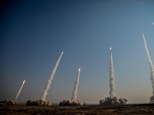 Astaga Naga! 17 Drone Terbang Serang Minyak Arab Saudi