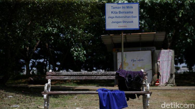 Taman Waduk Pluit Sudah Tak Terawat Didiamkan Pula