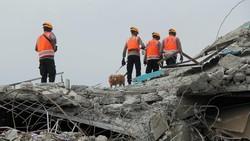 Update Gempa Sulbar: 81 Orang Tewas, Pengungsi Akan Dites Rapid Antigen