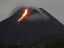 8 Kali Guguran Lava Pijar, Status Gunung Merapi Masih Siaga