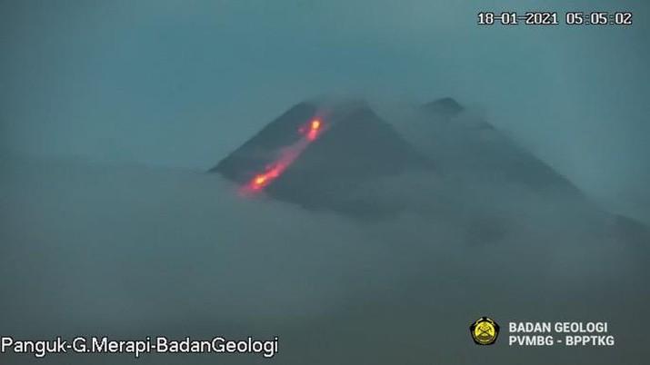 Gunung Merapi kembali keluarkan awan panas guguran sejauh 1.000 meter. (Dok: BNPB)