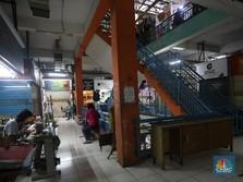 Potret Sepi Pasar Santa di Tengah PPKM
