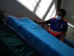 Warga Cilandak 'Sulap' Gedung Karang Taruna Jadi Ruang Isoman