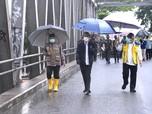 Potret Gaya 'Blusukan' Jokowi Cek Banjir Kalimantan Selatan