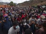 Bak 'Pasukan Semut', Potret Ribuan Imigran Cari Suaka ke AS