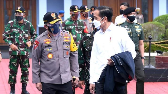 Presiden Joko Widodo (Jokowi) akan bertolak ke provinsi Sulawesi Barat (Sulbar) pada Selasa ini (19/1), dalam rangka kunjungan kerja. (Dok:  Lukas - Biro Pers Sekretariat Presiden)