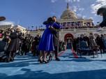 Mesra, Potret Kamala Harris Ucap Sumpah Wapres Depan Suami