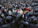 Putin Ngamuk? 1.400 Warga Rusia