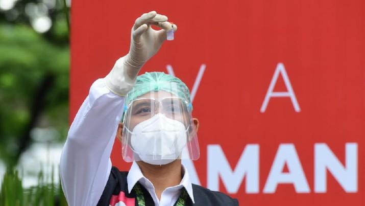 Presiden Joko Widodo merima Vaksinasi COVID-19 Tahap Kedua di Istana Kepresidenan Jakarta, Rabu, 27 Januari 2021. (Dok: Muchlis Jr - Biro Pers Sekretariat Presiden)