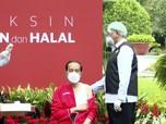 Kasual, Ini Penampakan Outfit Jokowi Saat Divaksin Kedua