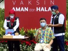 Selfie Bareng Jokowi Usai Vaksinasi, Raffi: Sehat Selalu Pak!