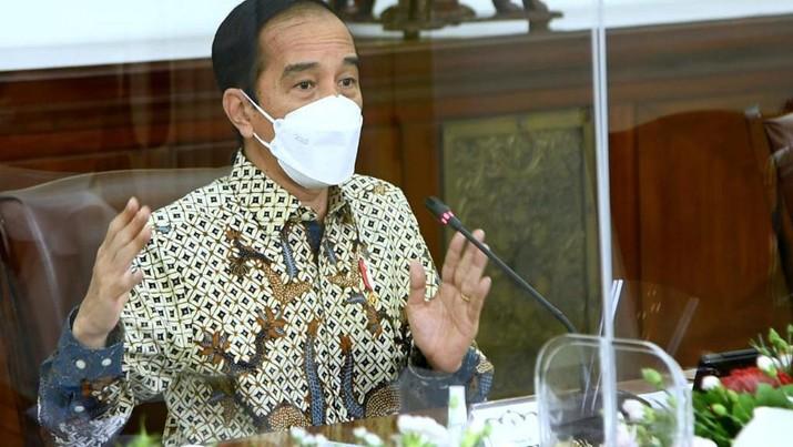 Presiden Joko Widodo dalam rapat terbatas yang digelar di Istana Kepresidenan Bogor. (Biro Pers Sekretariat Presiden/ Rusman)