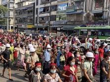 Medsos Diblokir, Ribuan Warga Sipil Protes Kudeta Myanmar