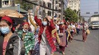 Berontak! Ratusan Warga Sipil Demo Anti-Kudeta di Myanmar