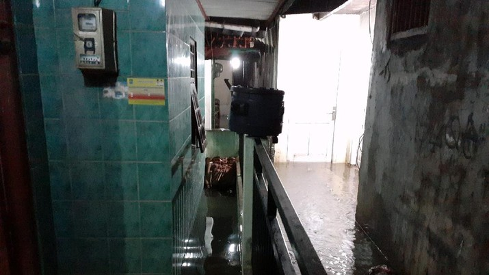 Banjir Bekasi (Twitter/@yogo_Pras)
