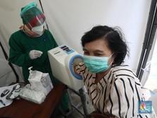 Jangan Takut, Vaksinasi Kelompok Berisiko Dilakukan Bertahap