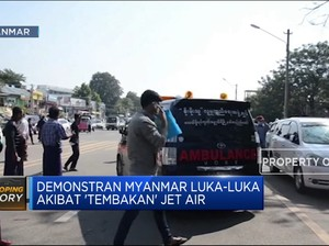 Demonstran Myanmar Luka-Luka Akibat 'Tembakan' Jet Air