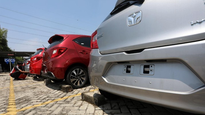 Dealer Penjualan Mobil (CNBC Indonesia/Andrean Kristianto)