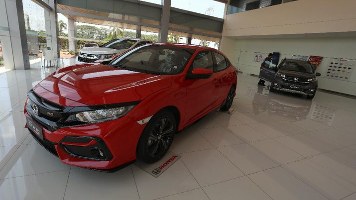 Dealer Penjualan Mobil (CNBC Indonesia/Andrean Kristianto)