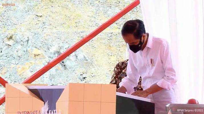 Presiden Jokowi Resmikan Bendungan Tukul, Kabupaten Pacitan, 14 Februari 2021. (Tangkapan layar Youtube Setpres RI)