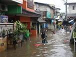 Potret Tebet Kebanjiran Gegara Hujan Lebat Mengguyur Jakarta