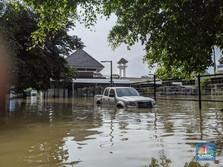 Banjir Belum Surut, Anies Salahkan Banjir Kiriman dari Hulu