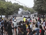 Myanmar Rusuh, Polisi Tembak Gas Air Mata & Peluru Karet