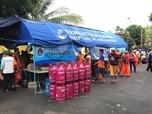 Banjir Landa Ibu Kota, Bright Gas Hadir di Dapur Umum Jakarta