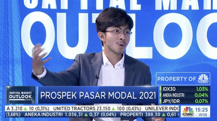 CEO Sucor Sekuritas Bernadus Wijaya dalam acara Capital Market Outlook 2021 dengan tema
