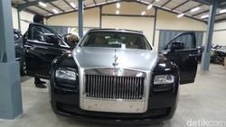 Mensos Risma Lelang Rolls-Royce Hantu Rp 8,3 M, Ini Keunggulannya
