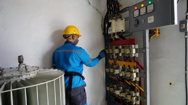 PLN nyalakan lagi seluruh gardu induk listrik dan listrik pelanggan terdampak banjir Jakarta dan sekitarnya, Selasa (23/02/2021). (Dok. PLN)