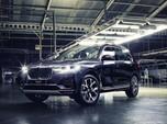 Mobil-Mobil Mewah Meluncur di Tengah Pandemi