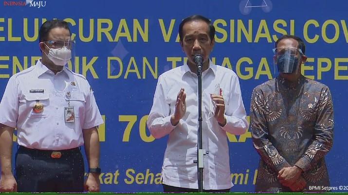 Keterangan Pers Presiden Setelah Meninjau Vaksinasi Guru, SMAN 70 Jakarta Selatan, 24 Feb 2021 (Tangkapan Layar Youtube Sekretariat Presiden)
