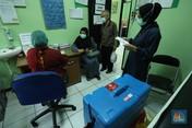Penampakan Lansia di Jakarta Mulai  Divaksinasi Covid-19