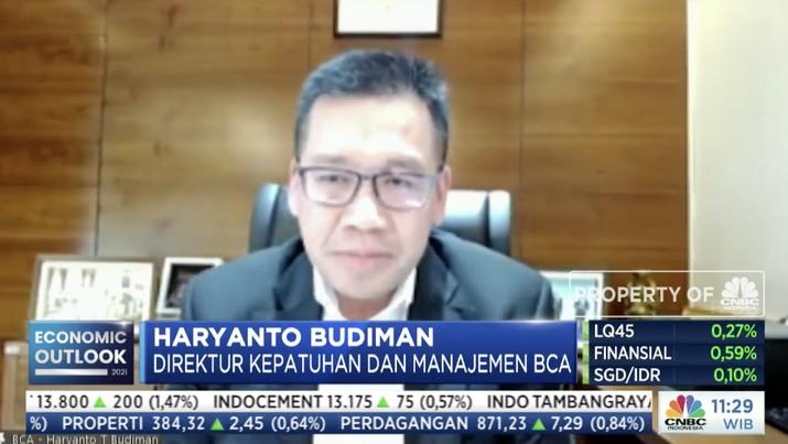 Direktur BCA, Haryanto Budiman dalam acara CNBC Indonesia Economic Outlook dengan tema